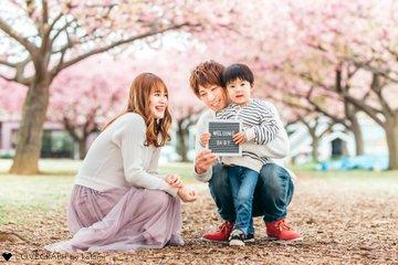 河津桜でマタニティフォト | 家族写真(ファミリーフォト)