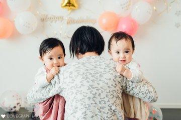 双子 1歳バースデー | 家族写真(ファミリーフォト)