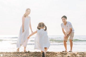 はじめての海 | 家族写真(ファミリーフォト)