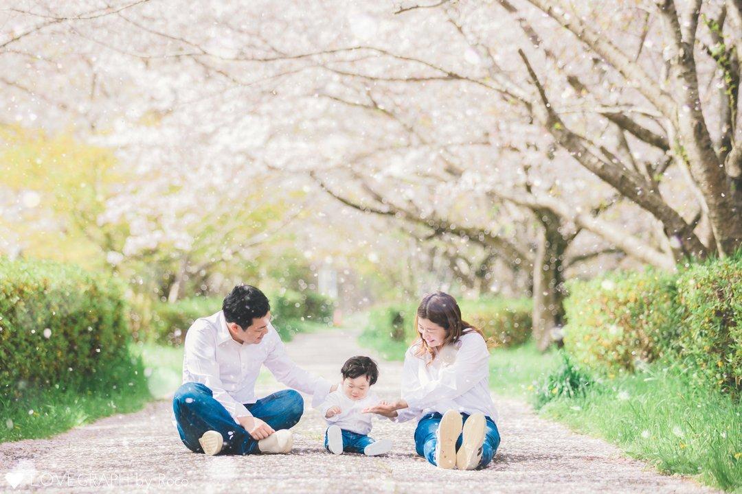 はじめての桜並木 | 家族写真(ファミリーフォト)